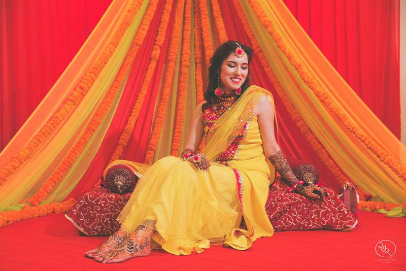 the mehandi ritual!:country inn and suites, lakshya manwani photography, om parkash jawahar lal, isha khanna makeup artist
