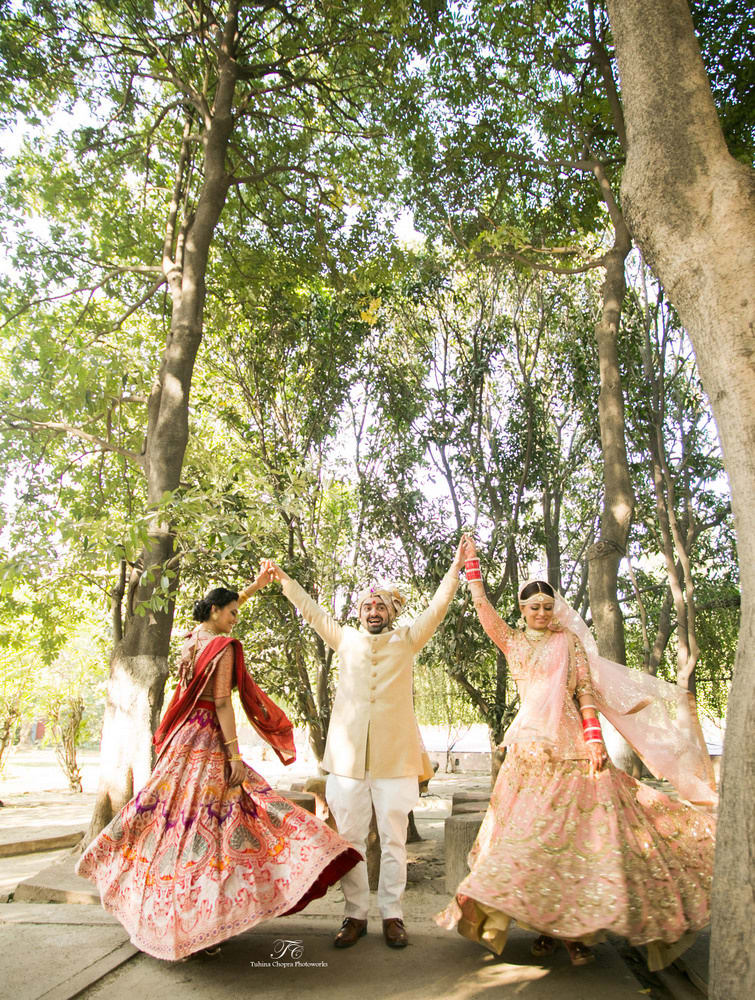 the stunner bride!:tuhina chopra photoworks, the powder room, anita dongre
