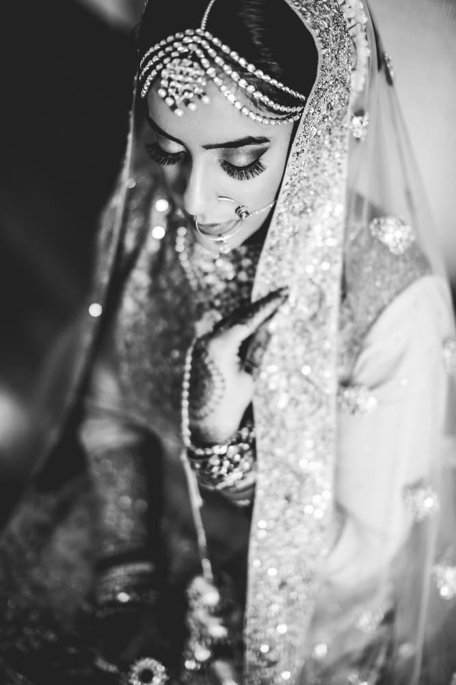 pretty punjabi bride!:raju mehandi arts, the piccadily, mahima bhatia photography, sabyasachi couture pvt ltd, qbik, falguni and shane peacock