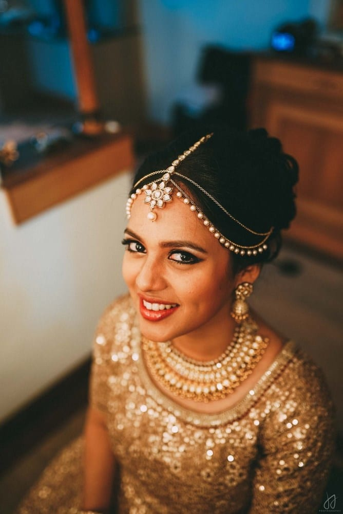 the stunner bride!:malabar gold and diamonds, shyamal and bhumika, sabyasachi couture pvt ltd