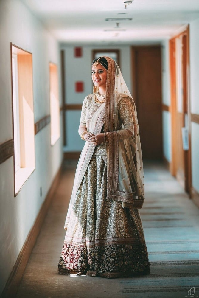the pretty bride!:malabar gold and diamonds, shyamal and bhumika, sabyasachi couture pvt ltd