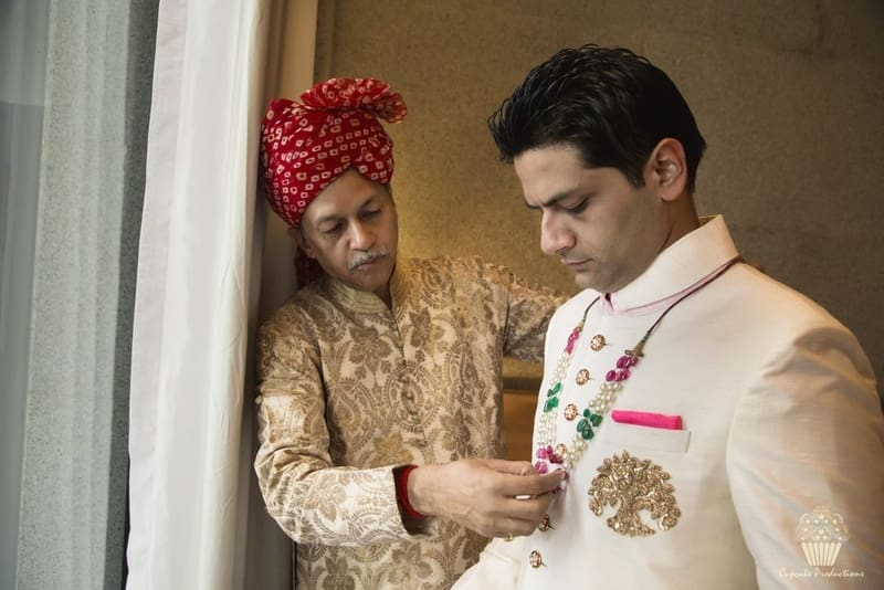 the dapper groom!:cupcake productions, manish malhotra, anju modi, sabyasachi couture pvt ltd