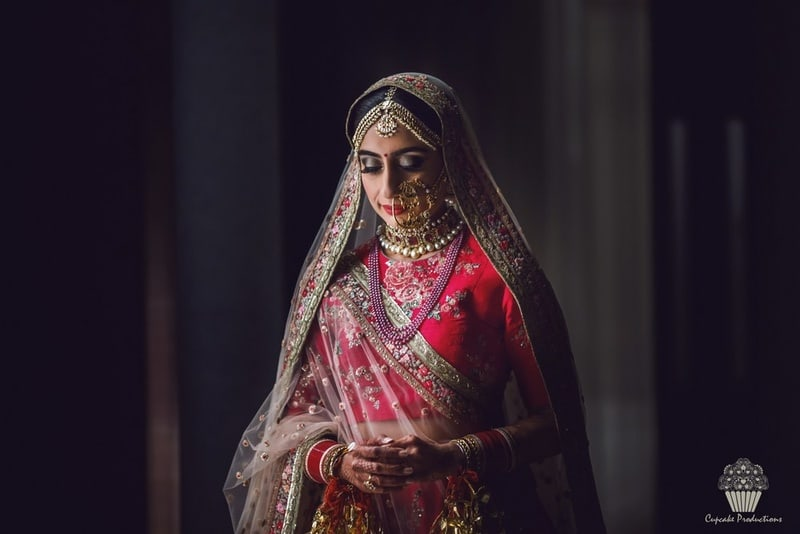 the mesmerizing bride!:cupcake productions, manish malhotra, anju modi, sabyasachi couture pvt ltd