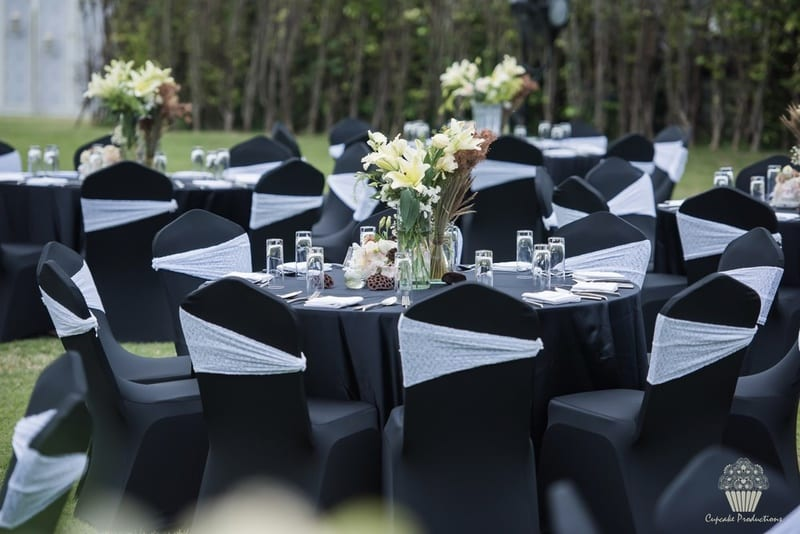 the classy wedding!:cupcake productions, manish malhotra, anju modi, sabyasachi couture pvt ltd