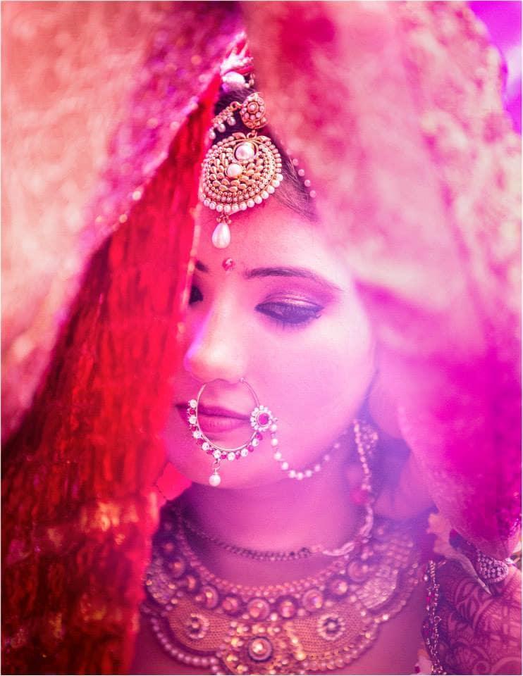 beautiful bridal jewellery:girl in pink photography