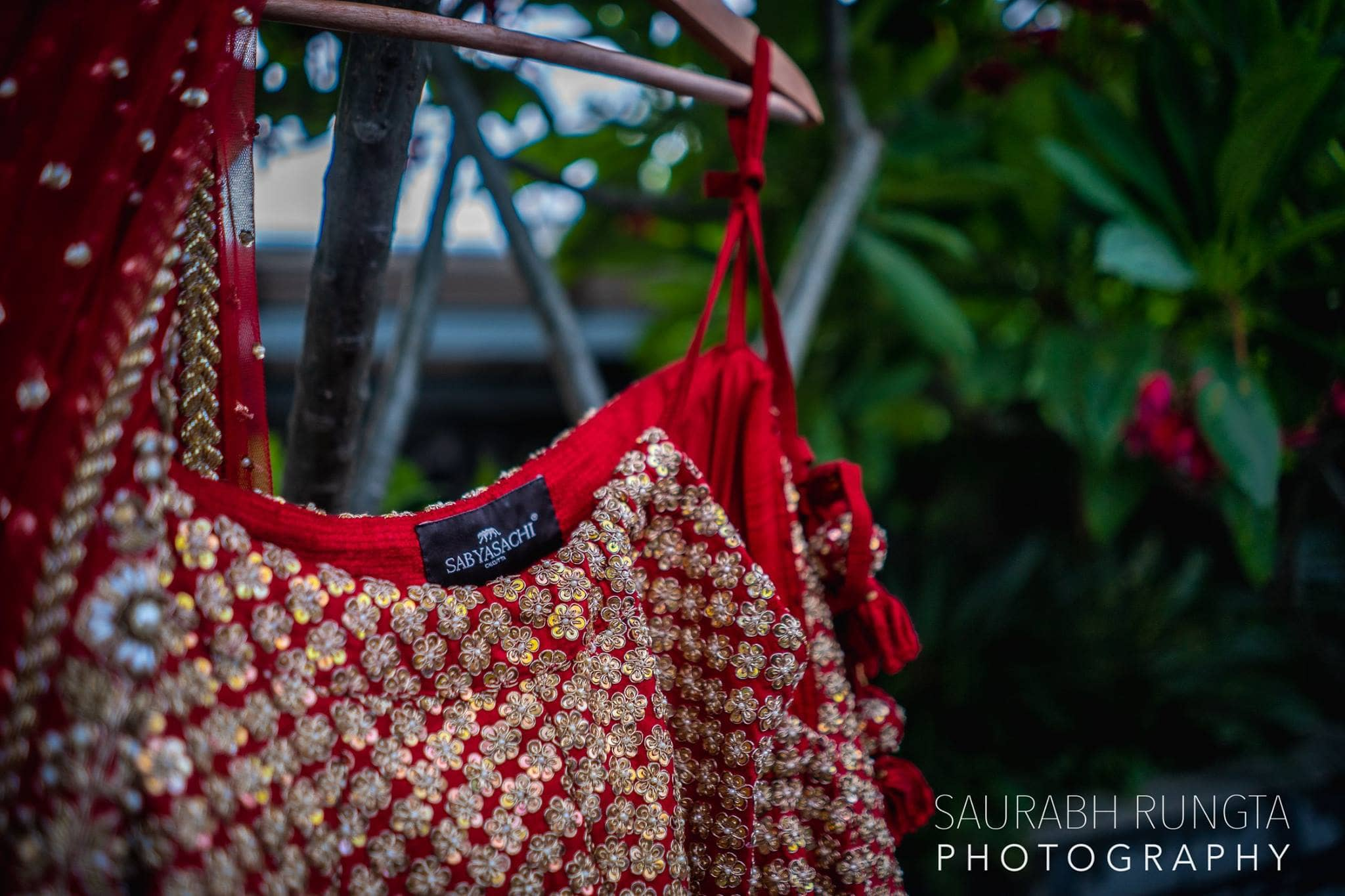 bride lehenga click:sabyasachi couture, saurabh rungta photography