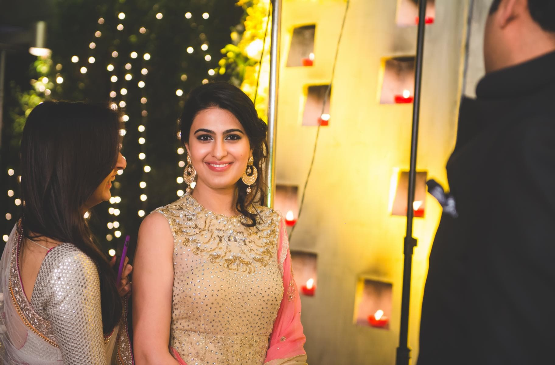 elegant wedding outfits:kuntal mukherjee photography