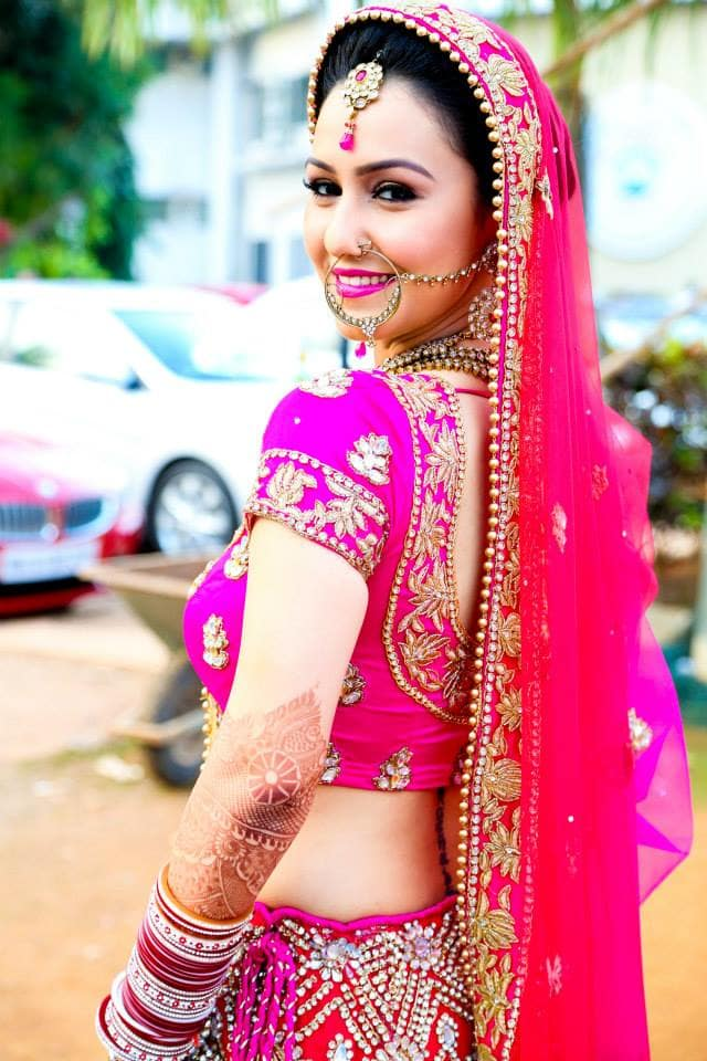 bridal photography:girl in pink photography