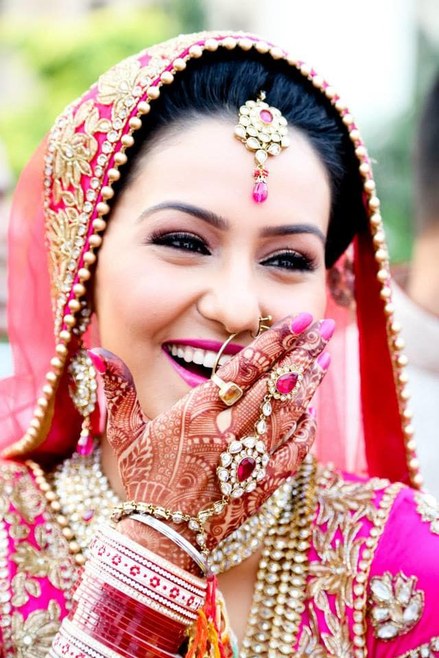 bridal clicks:girl in pink photography
