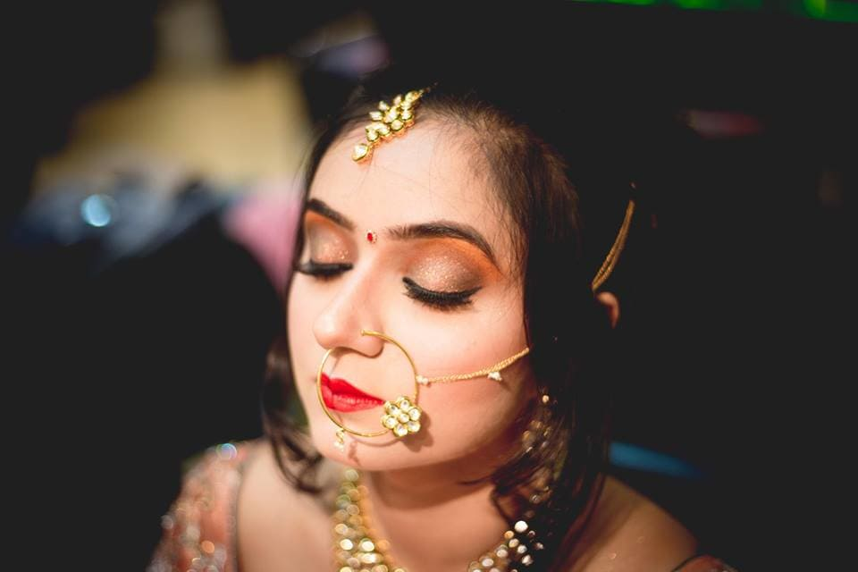 bridal makeup:girl in pink photography