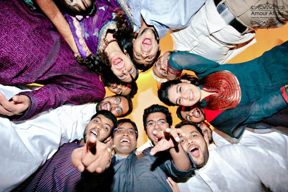 group photography with friends:amour affairs