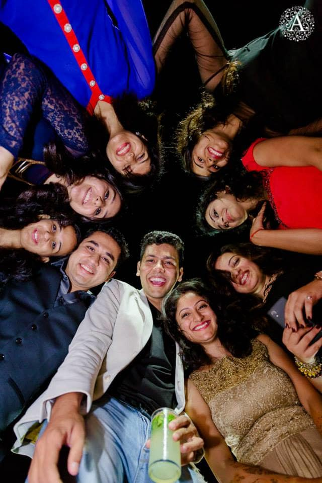 group photoraphy:amour affairs