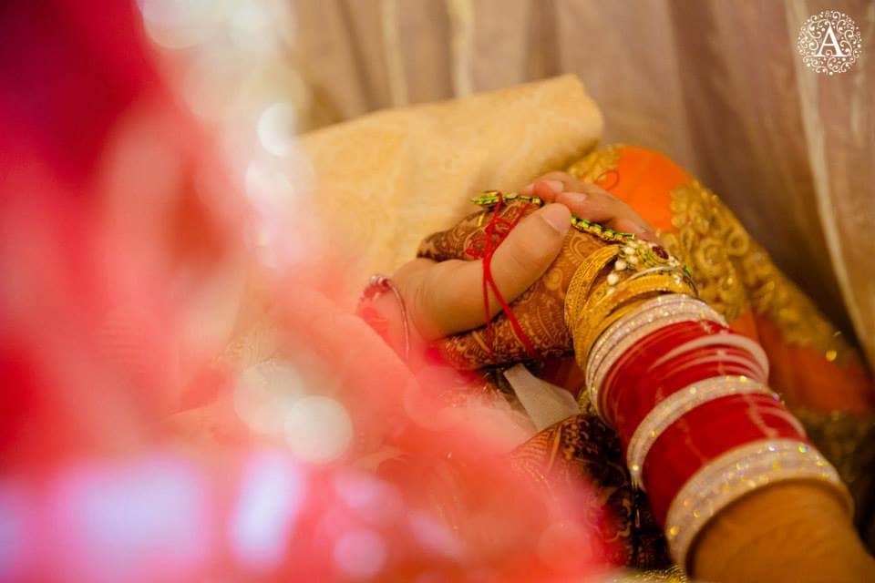 beautiful red chooda:amour affairs