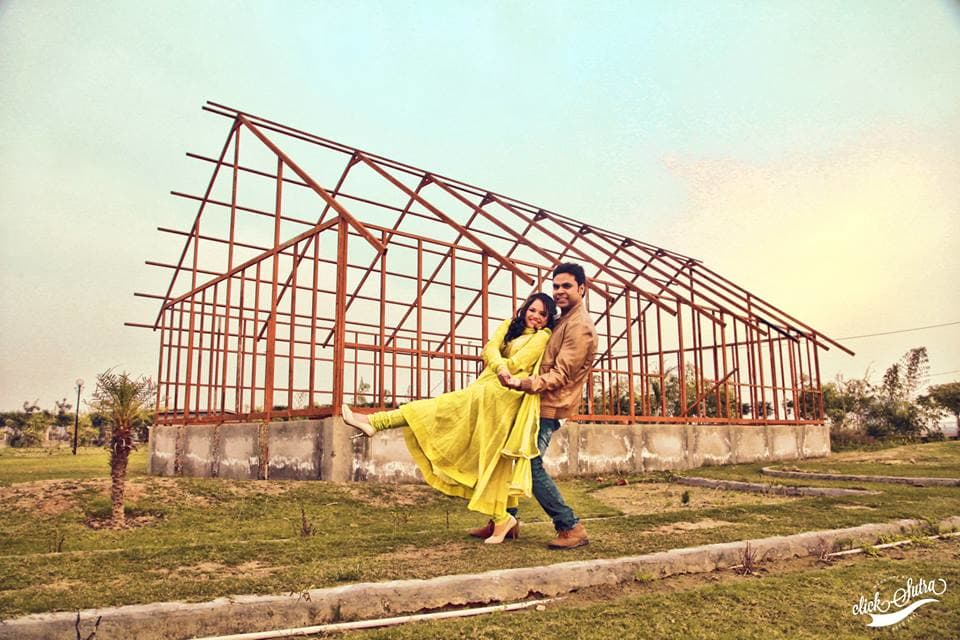 pre wedding clicks:click sutra