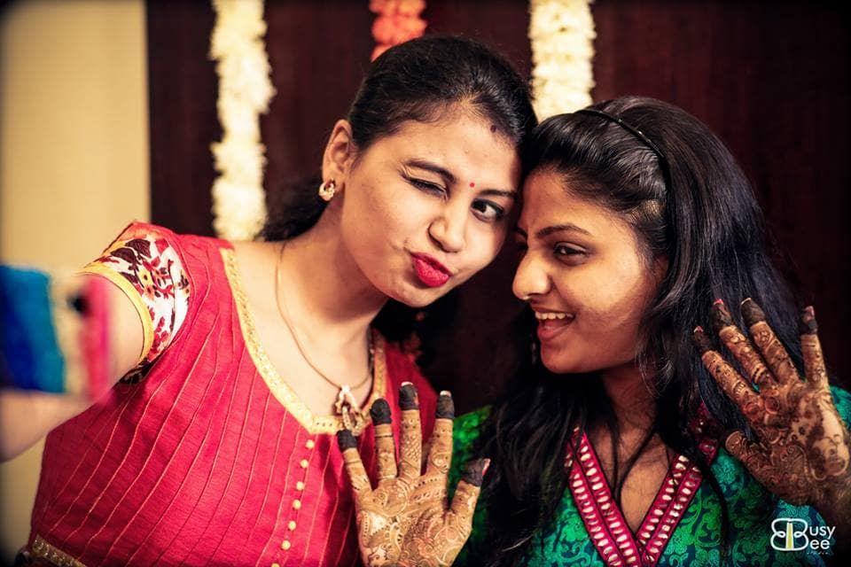 mehndi clicks:busy bee studio