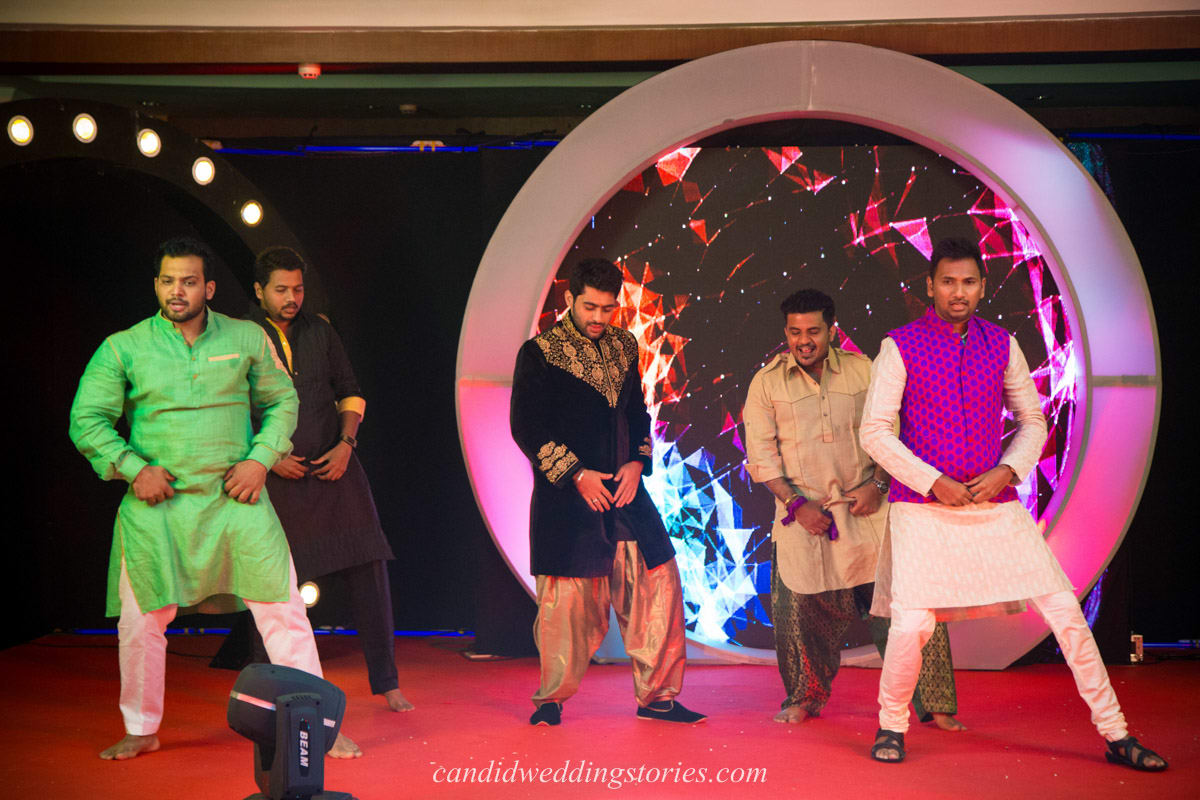 dance in sangeet ceremony:candid wedding stories