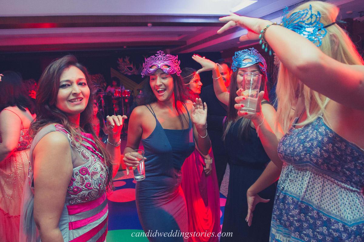dance in sangeet ceremony:candid wedding stories