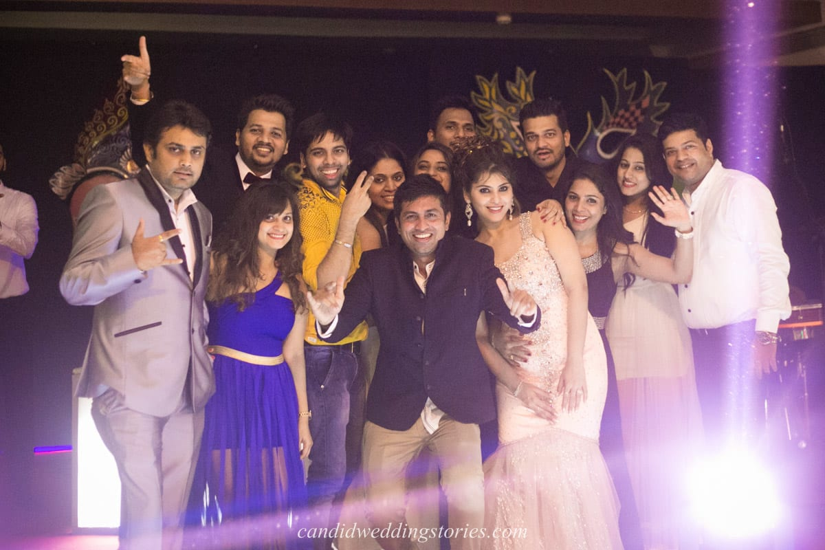group photography:candid wedding stories