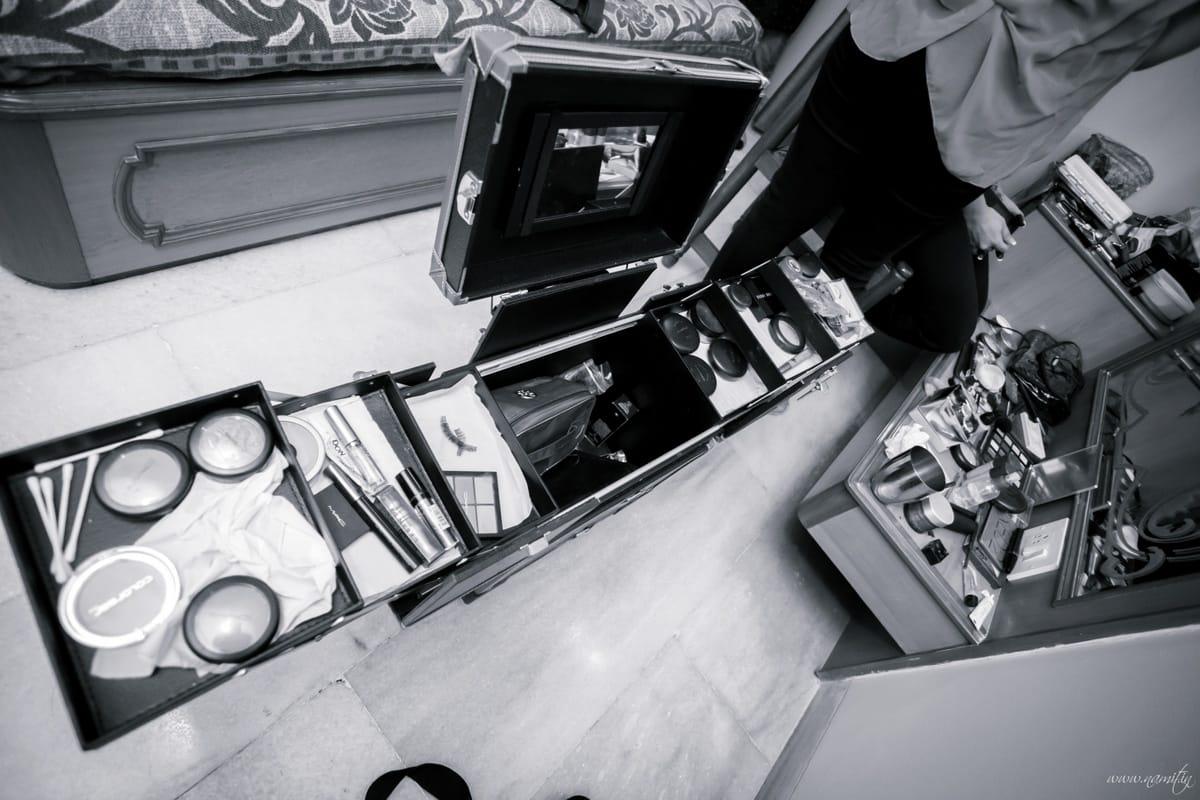 cosmetics for bridal makeup:namit narlawar photography