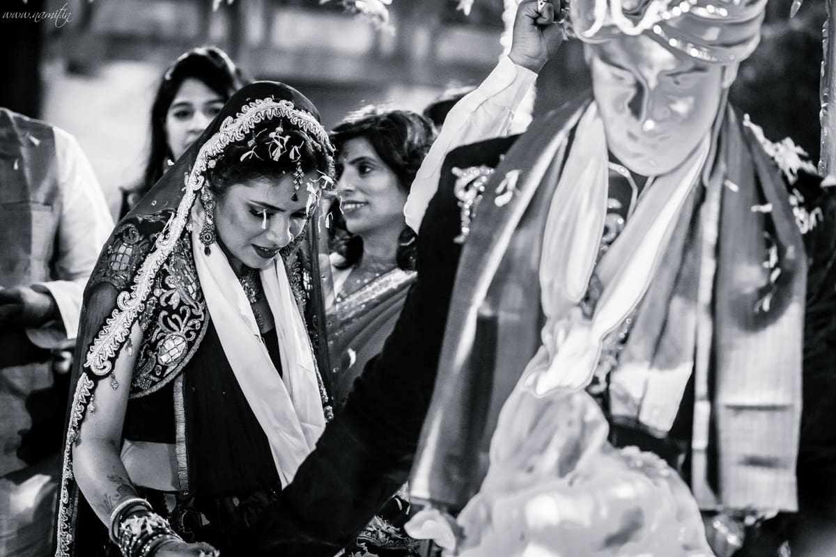 wedding ritual phere:namit narlawar photography