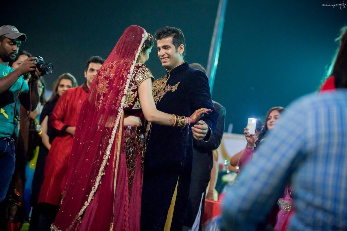 wedding couple photography:namit narlawar photography