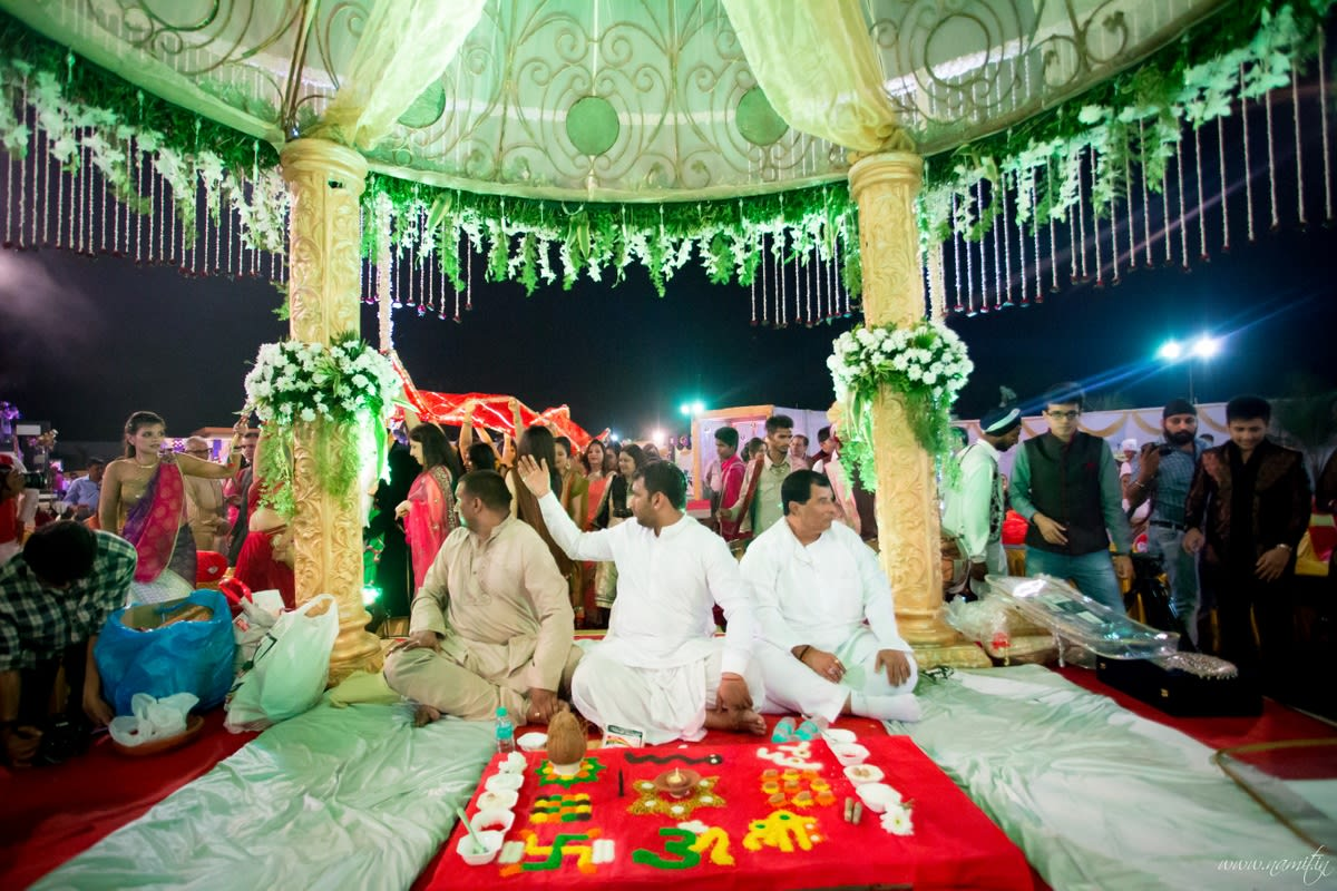 wedding rituals:namit narlawar photography