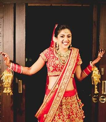 red beautiful bridal lehenga:the wedding story