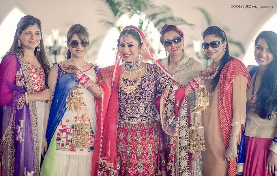 brides click with friends:coolbluez photography