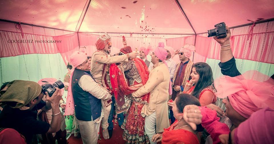 varmala ceremony:coolbluez photography