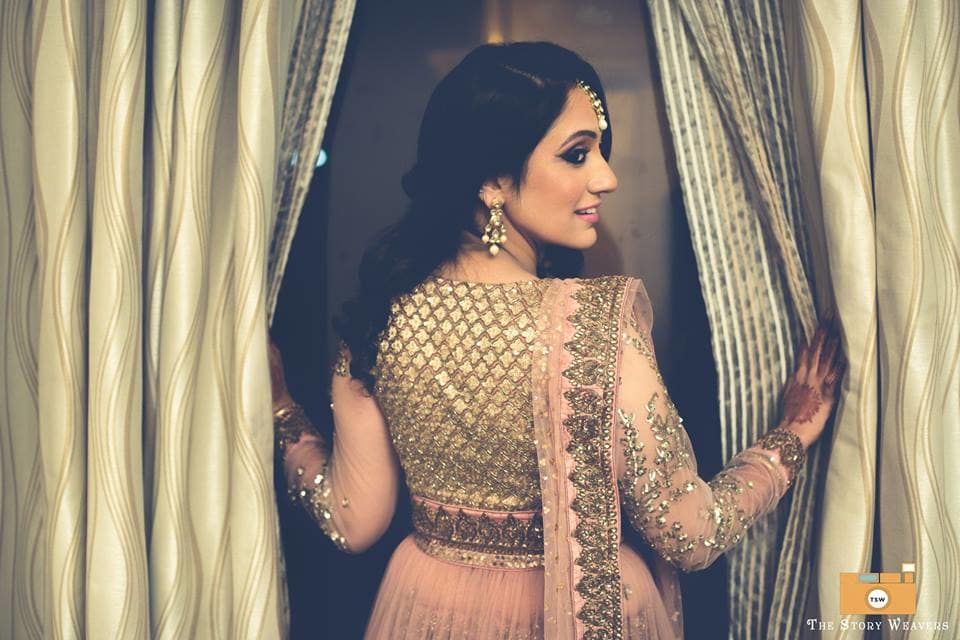 brides candid click:the story weavers