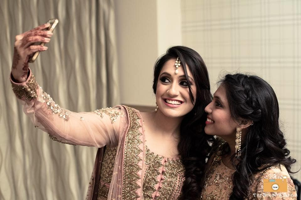 selfie with bride:the story weavers