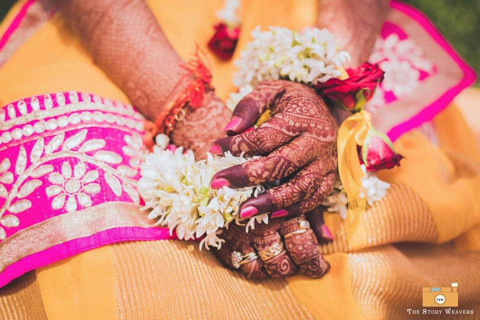 mehndi clicks:the story weavers