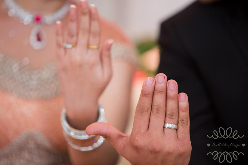beautiful wedding rings:our wedding chapter