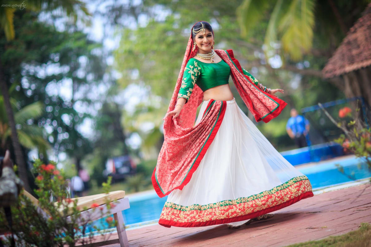 loveable bridal click:namit narlawar photography