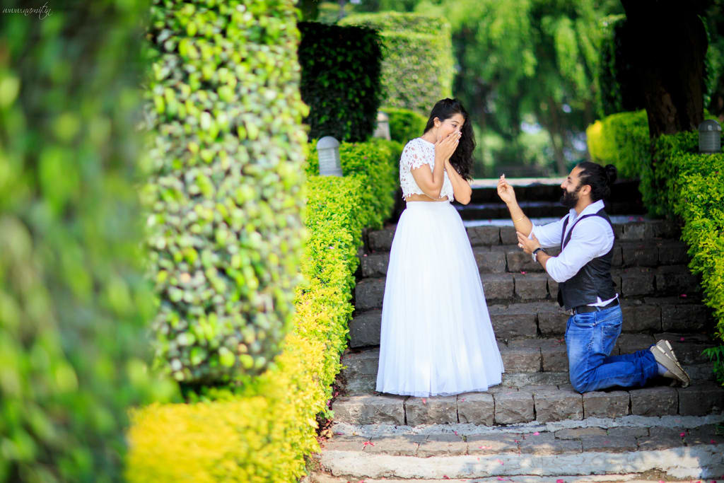 pre wedding photographs:namit narlawar photography