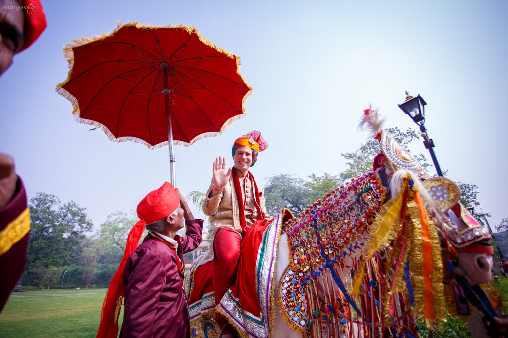 grooms entry:namit narlawar photography