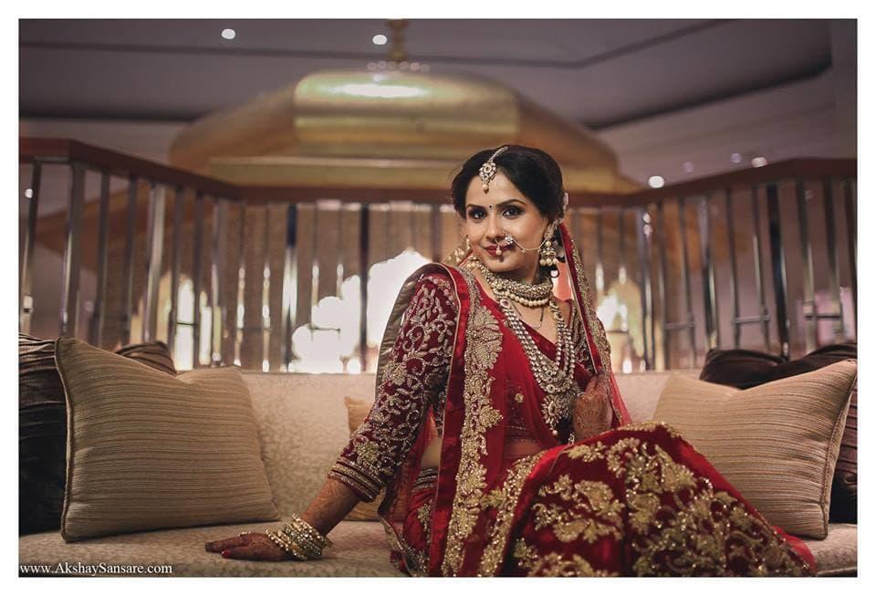 beautiful bridal lehenga:akshay sansare photography and films