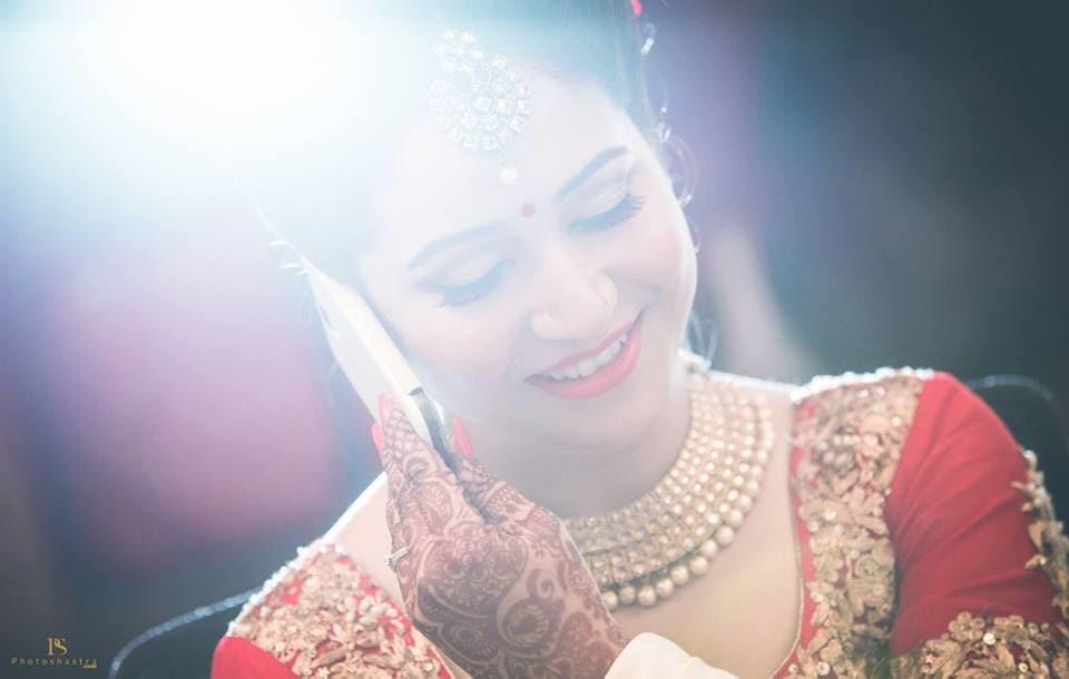 brides candid click:photoshastra