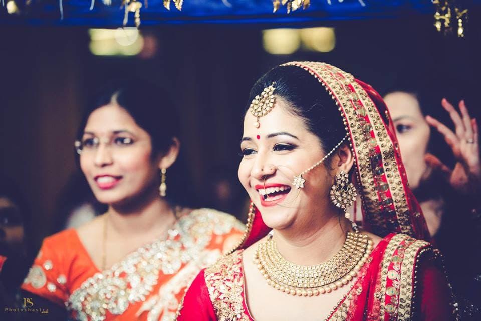 brides candid photography:photoshastra
