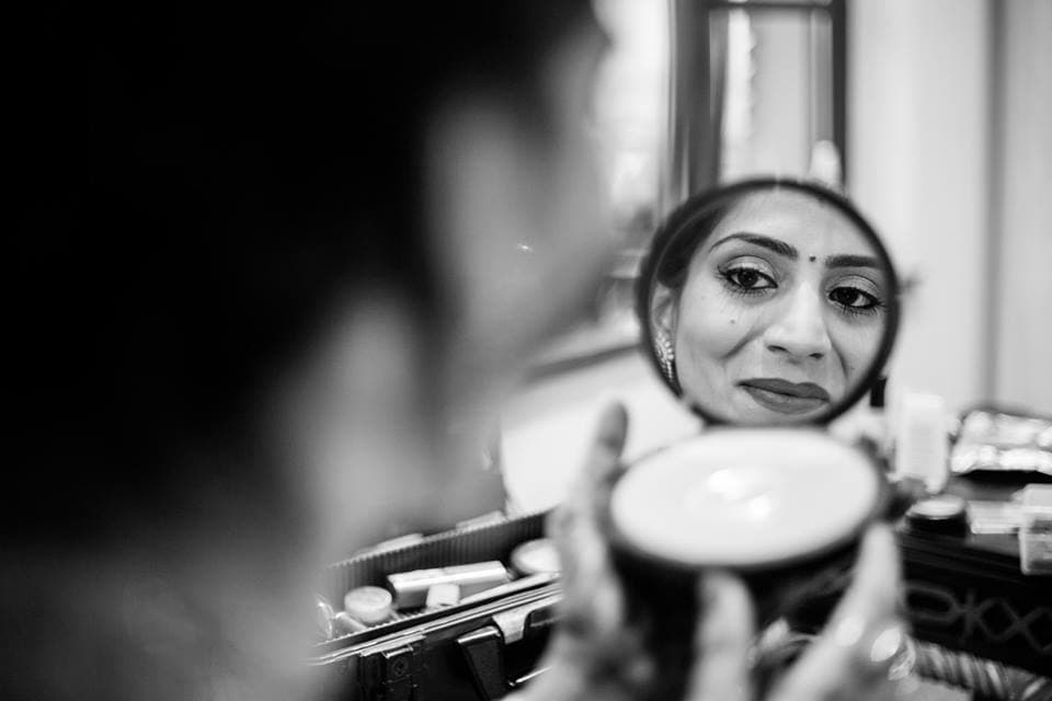 bridal makeup:candid shutters