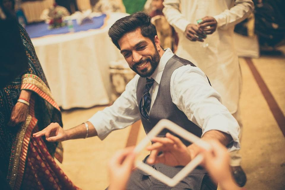 wedding dance:candid shutters
