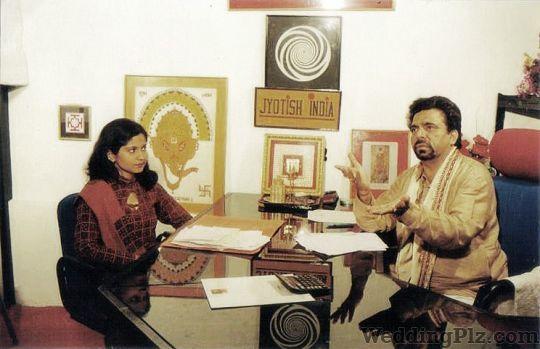Astologer P. Khurrana Astrologers weddingplz