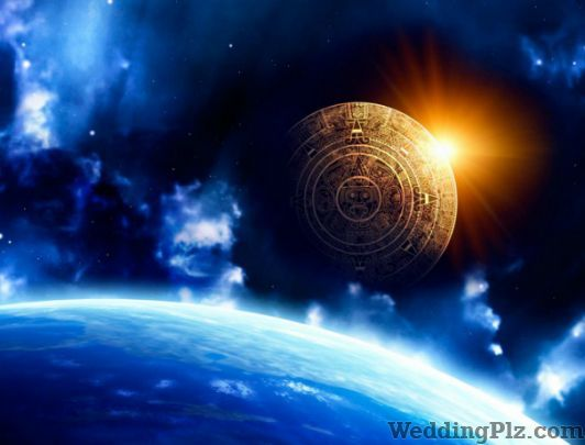 Astrologer Madhuri Bisht Astrologers weddingplz