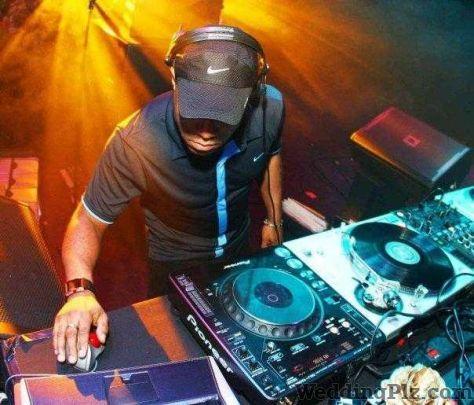 Dj Vicky DJ weddingplz