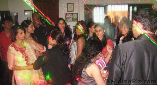 DJ Chris Fernandez DJ weddingplz
