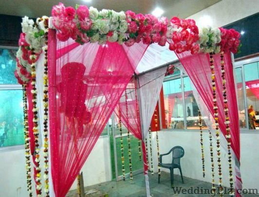 Golden Flora Florists weddingplz