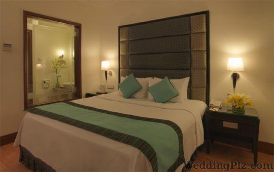 Goldfinch Hotels Hotels weddingplz