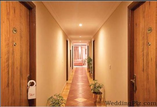 Cross Roads Inn Hotels weddingplz