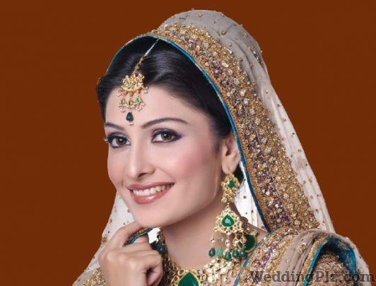Kapoor Di Hatti Jewellery weddingplz