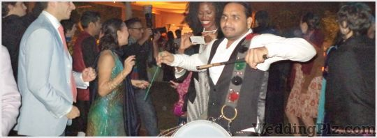 Pardeep Rana No 1 Dhol Wala Live Performers weddingplz